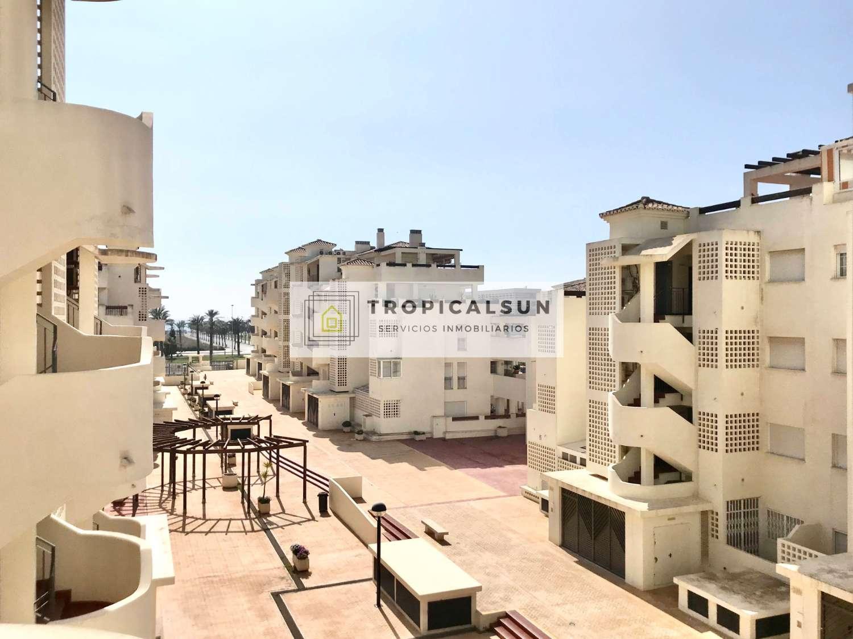 Apartamento en Urbanización de Roquetas de Mar, Residencial Vereda Golf